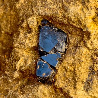 سنگ یاقوت سیاه تایلند