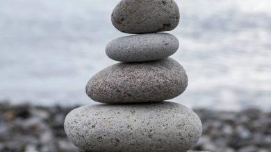 Photo of روانشناسی رنگ خاکستری ؛ رنگ درمانی با سنگهای خاکستری رنگ