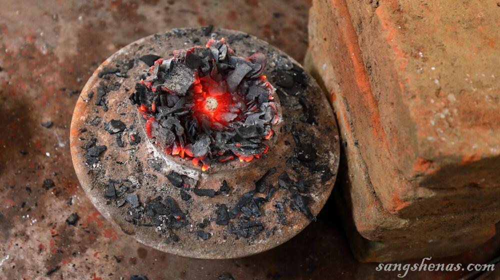 حرارت دهی یاقوت سرخ در سریلانکا