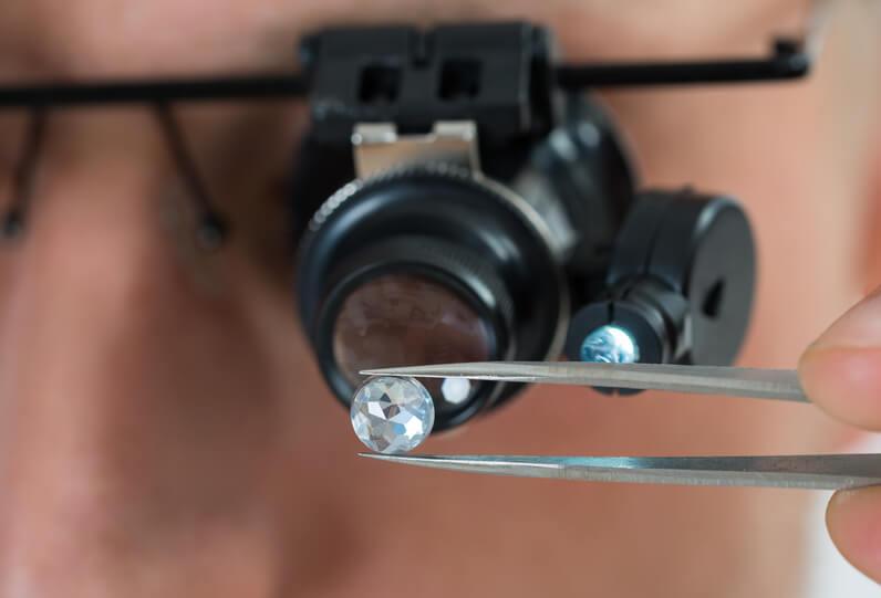 آموزش تشخیص الماس اصل از بدل