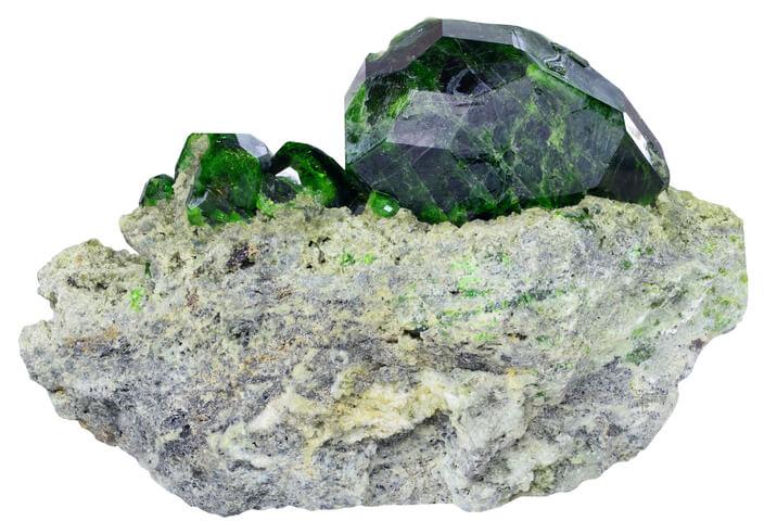 سنگ گارنت دمانتوئید