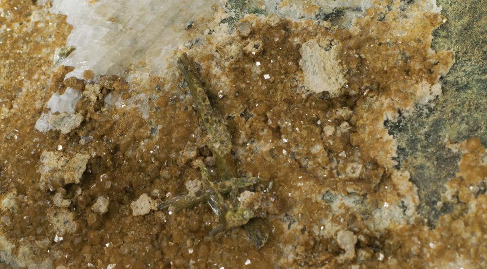 سنگ گارنت توپازولیت