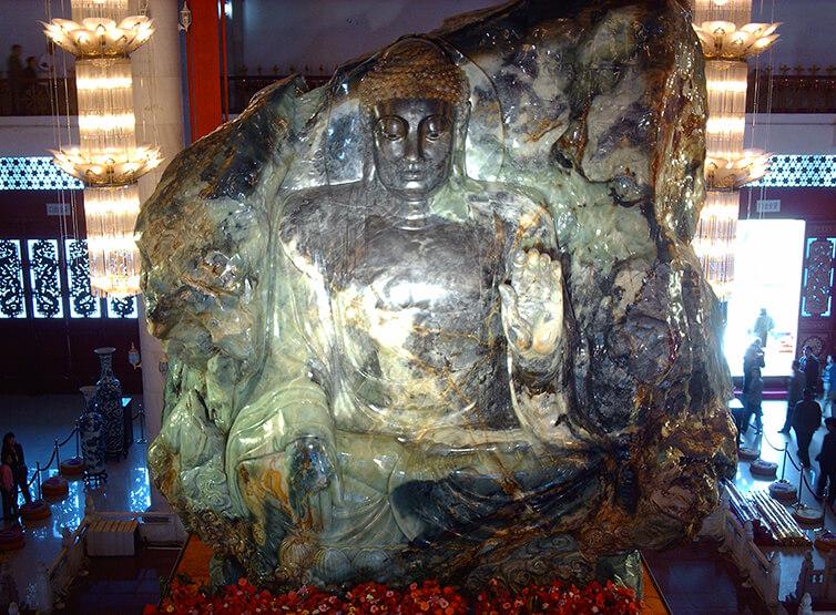 بزرگترین یشم جهان, بزرگ ترین مجسمه یشم بودا