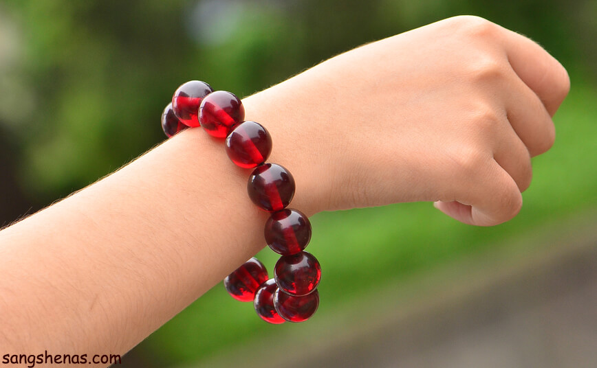 دستبند کهربای قرمز
