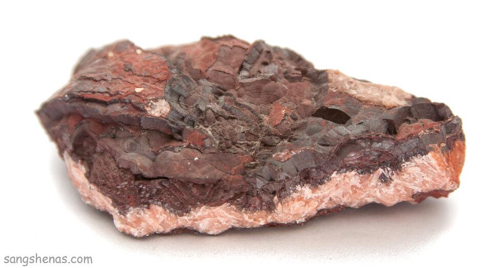 سنگ آهن هماتیت روی ماتریکس