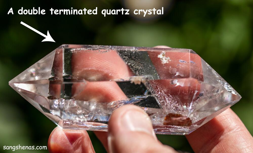 بلور کوارتز شفاف به شکل دابل ترمینیت شده
