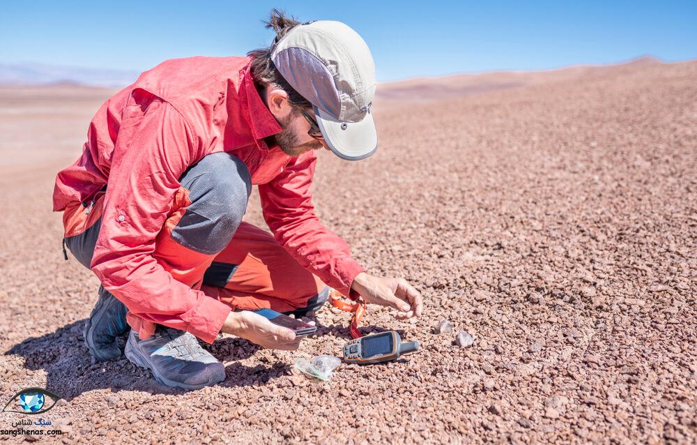 یافتن شهاب سنگ در صحرای آفریقا