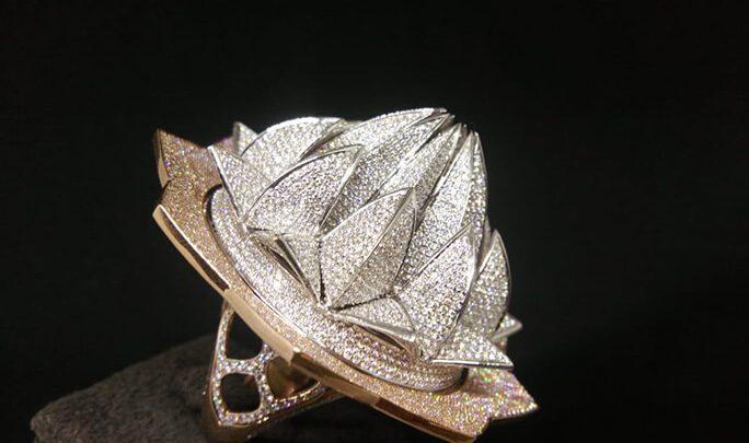Photo of رکورد گینس بیشترین تعداد الماس بکار رفته در یک انگشتر!