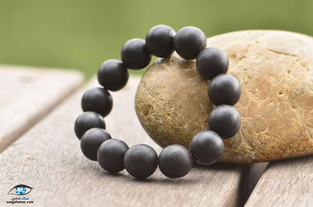 دستبند سنگ مرجان سیاه