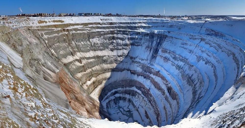 دهانه لوله های کیمبرلیتی جهت استخراج الماس
