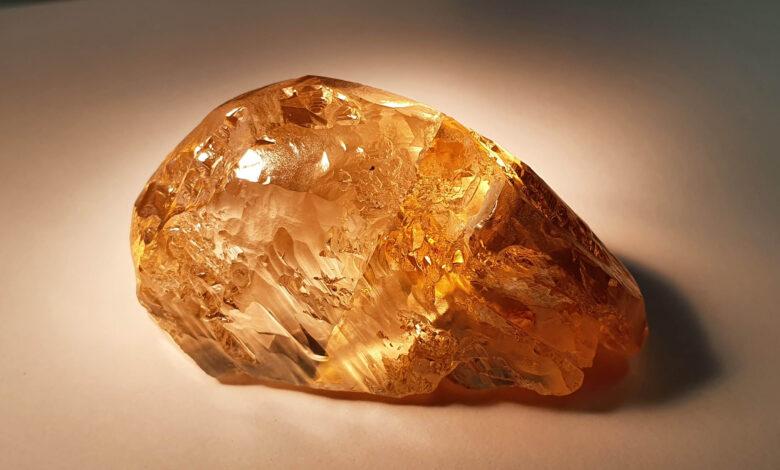 تصویر از کشف راف بزرگ الماس رنگی در جمهوری یاقوتستان روسیه توسط الروسا