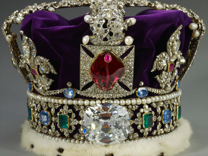 الماس کولینان دو در تاج سلطنتی