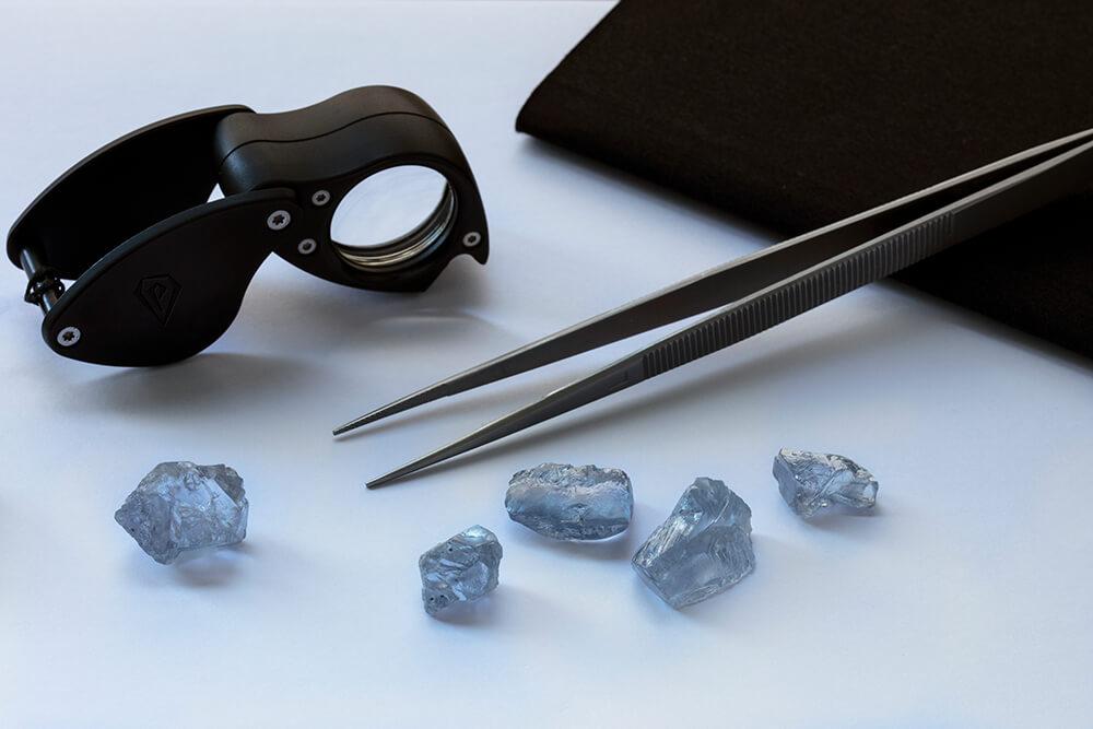 استخراج الماس آبی
