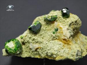 خرید سنگ راف کلکسیونی گارنت دمانتوئید سبز