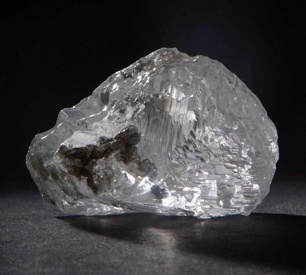 سنگ راف الماس قبل از تراش فروخته شده در حراجی ساتبیز