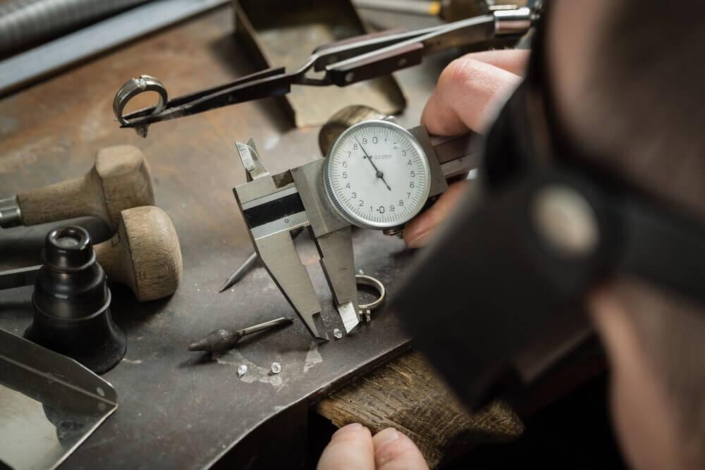 اندازه گیری ابعاد الماس