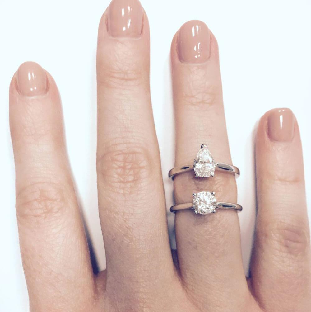 تفاوت شکل الماس اشکی و گرد روی دست