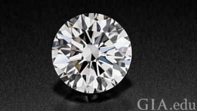 الماس 0.73 قیراطی دارای تراش Excellent ، رنگ J و پاکی VS1