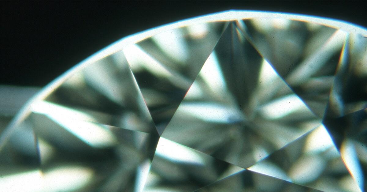 نقص خطوط ناشی از پولیش و تراش در الماس