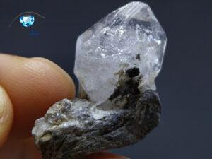 الماس هرکیمر (کوارتز) روی بستر 6 گرم